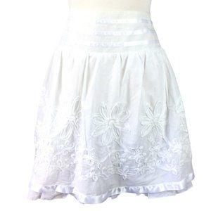 Joe Benbasset White Embroidered Skirt, Medium